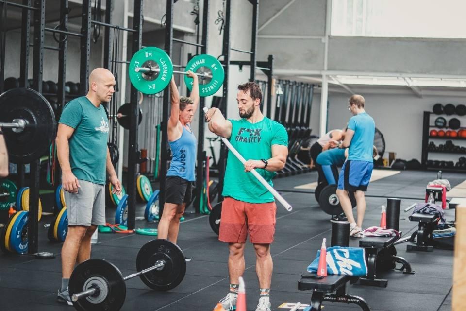 3 Gründe, warum du dich beim Training betreuen lassen solltest
